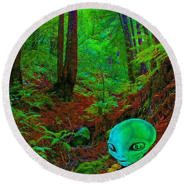An Alien In A Cosmic Forest Of Time Round Beach Towel