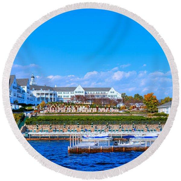 Autumn At The Sagamore Hotel - Lake George New York Round Beach Towel