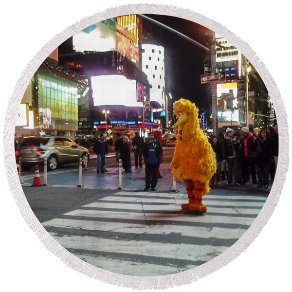 Big Bird On Times Square Round Beach Towel
