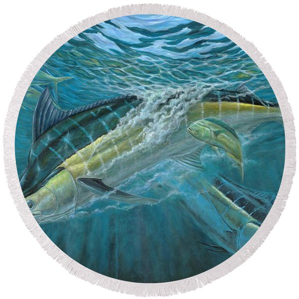 Blue And Mahi Mahi Underwater Round Beach Towel