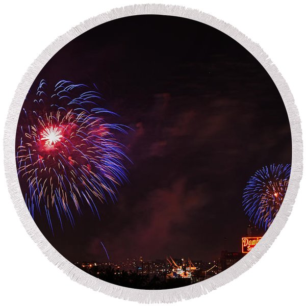 Blue Fireworks Over Domino Sugar Round Beach Towel