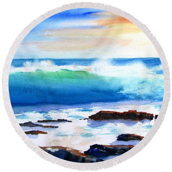 Blue Water Wave Crashing On Rocks Round Beach Towel