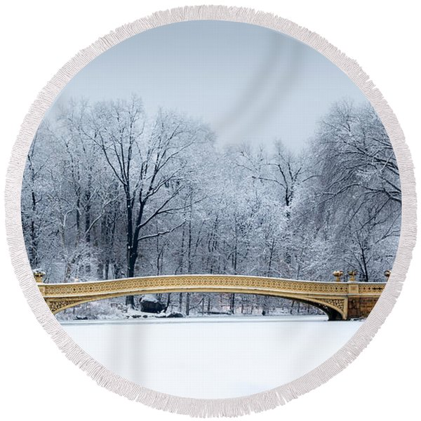Bow Bridge In Central Park Nyc Round Beach Towel