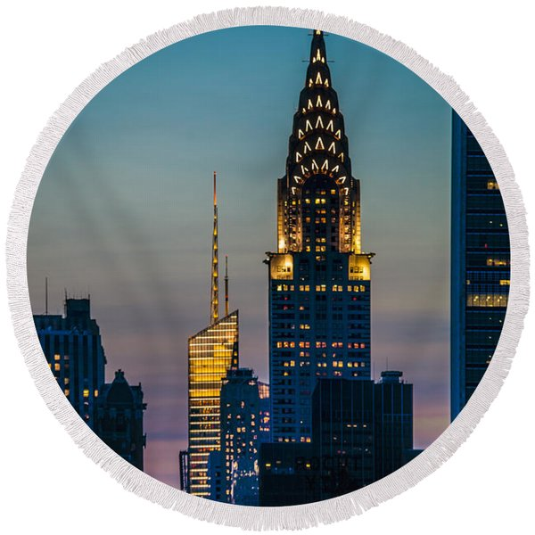 Chrysler Building At Sunset Round Beach Towel