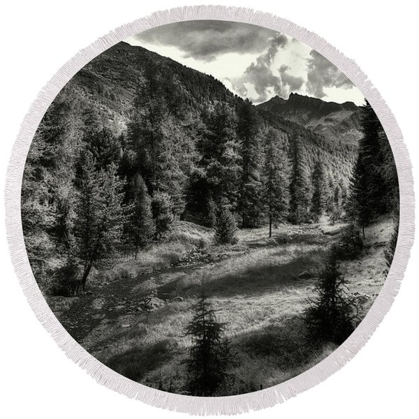 Clouds Over The Mountainscape Round Beach Towel