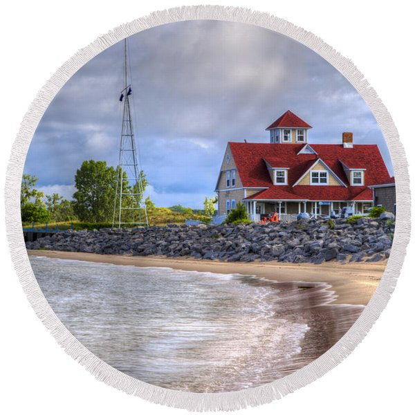 Coast Guard Station In Muskegon Round Beach Towel