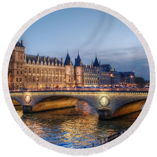 Conciergerie And Pont Napoleon At Twilight Round Beach Towel