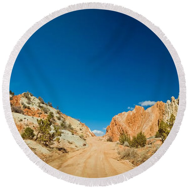 Cottonwood Canyon Road Passing Round Beach Towel