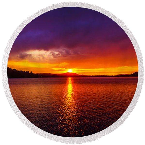 Dexter Lake Oregon Sunset 2 Round Beach Towel