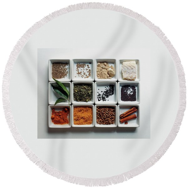 Dishes Of Spices Round Beach Towel