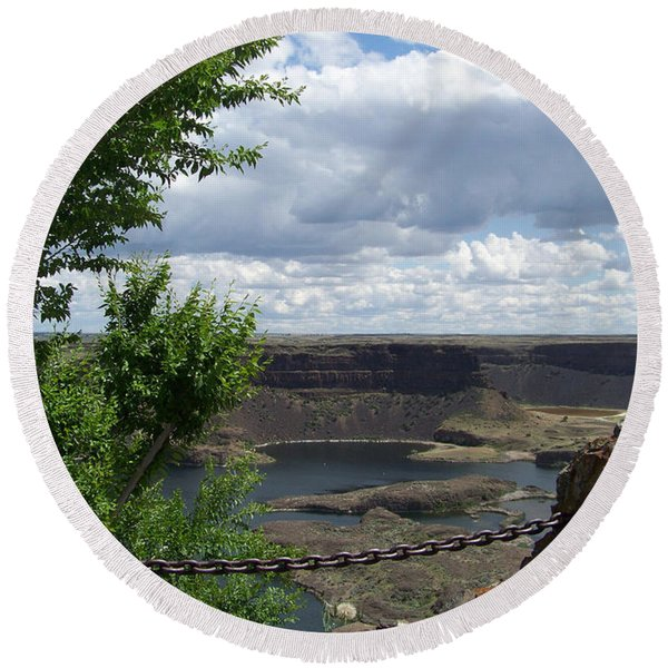 Dry Falls Overlook Round Beach Towel