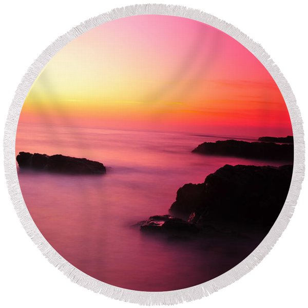 Fine Art - Pink Sky Round Beach Towel