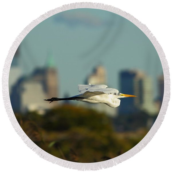 Flight Of The Great Egret Round Beach Towel
