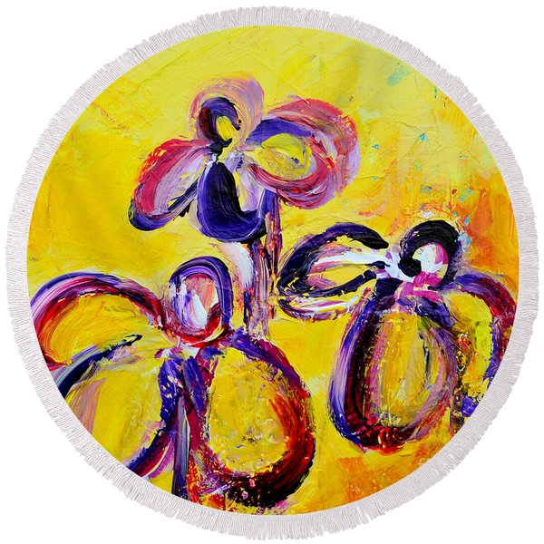 Abstract Flowers Silhouette No 9 Round Beach Towel