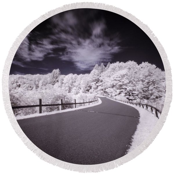 Infrared Through The Trees Round Beach Towel