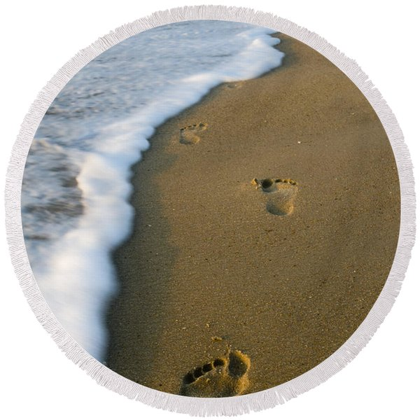 Foot Prints In The Sand Round Beach Towel