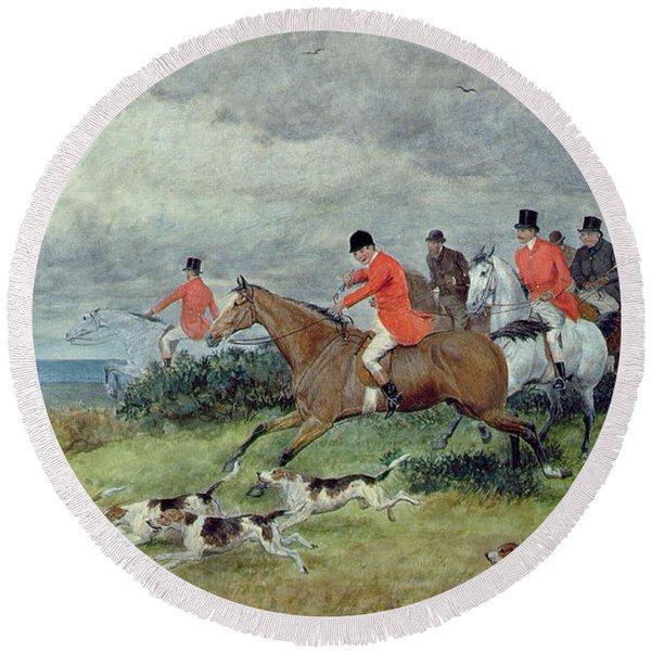 Fox Hunting In Surrey Round Beach Towel