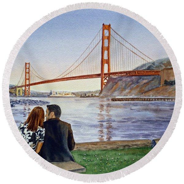 Golden Gate Bridge San Francisco - Two Love Birds Round Beach Towel