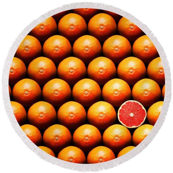 Grapefruit Slice Between Group Round Beach Towel