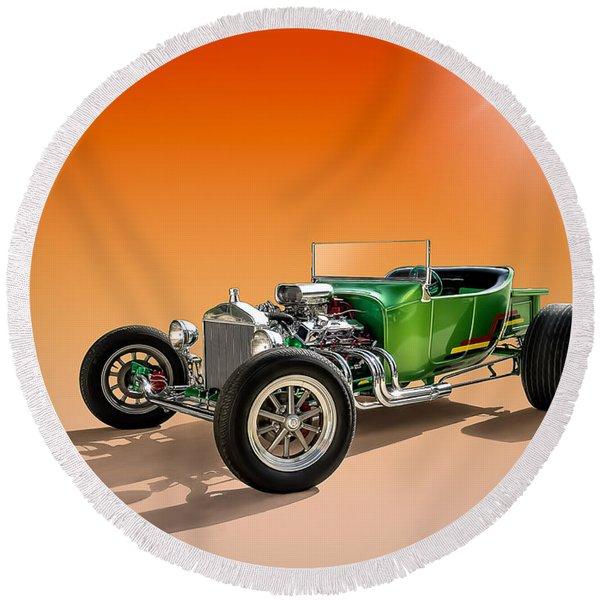 Green T With An Orange Twist Round Beach Towel