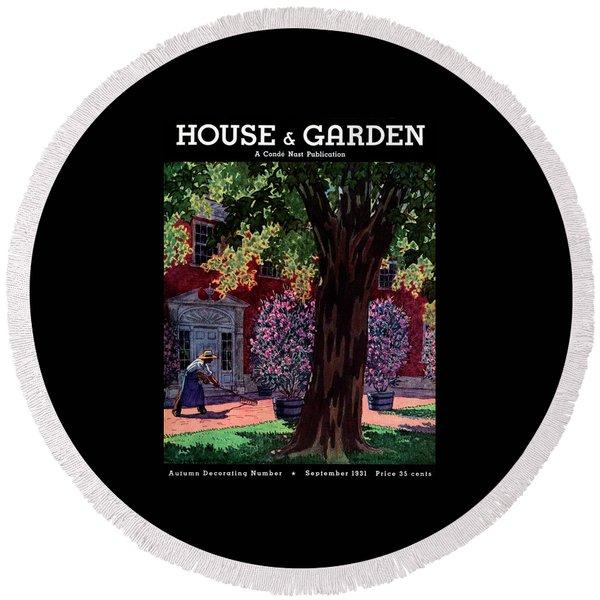 House & Garden Cover Illustration Of A Gardener Round Beach Towel