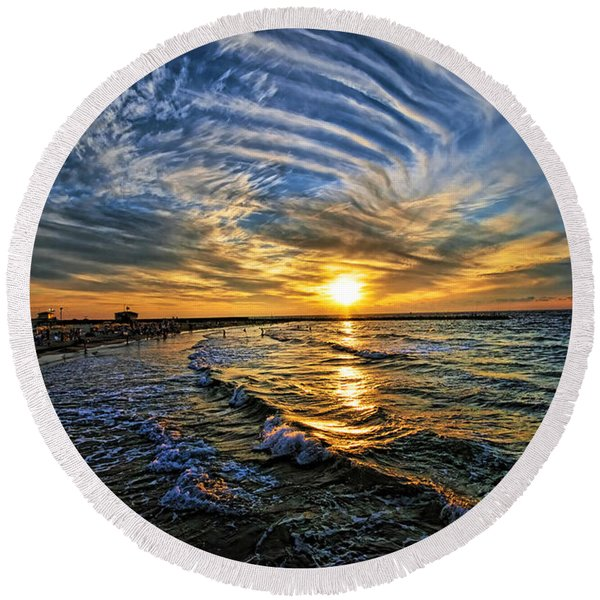 Hypnotic Sunset At Israel Round Beach Towel