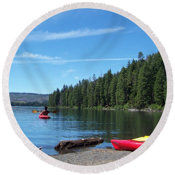 Kayaking On Suttle Lake Round Beach Towel