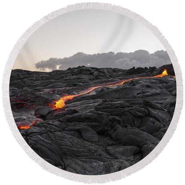 Kilauea Volcano 60 Foot Lava Flow - The Big Island Hawaii Round Beach Towel
