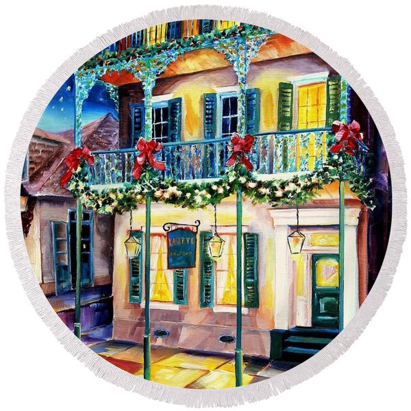 Lafitte Guest House At Christmas Round Beach Towel