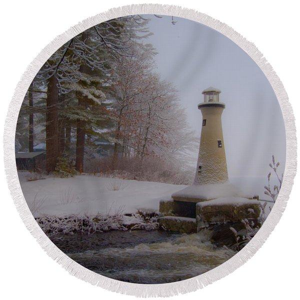 Lake Potanipo Lighthouse Round Beach Towel