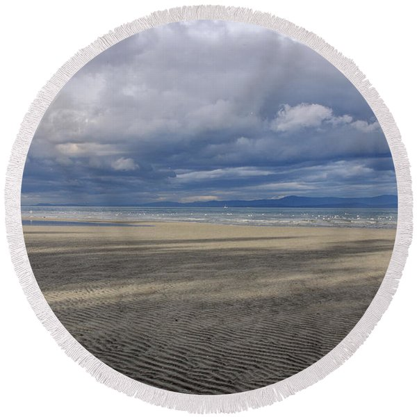 Low Tide Sandscape Round Beach Towel