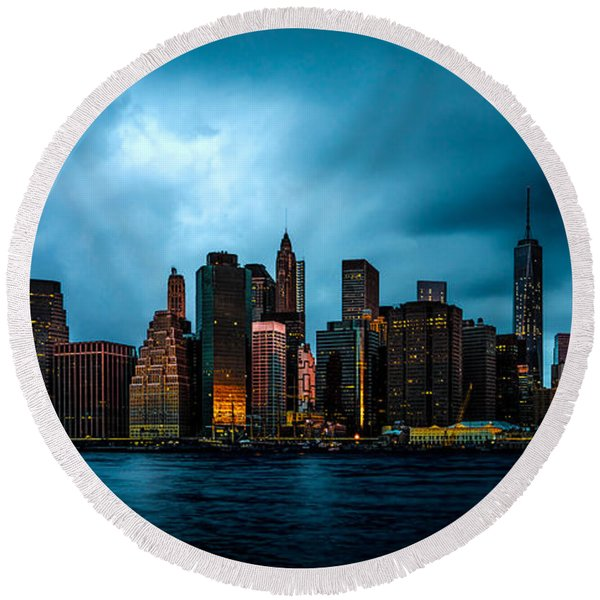 Round Beach Towel featuring the photograph Manhattan At Dawn by Chris Lord