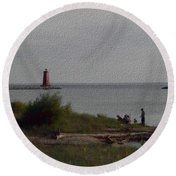 Manistique Light Round Beach Towel