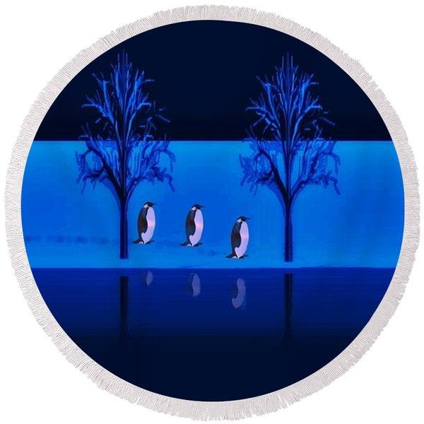Night Walk Of The Penguins Round Beach Towel
