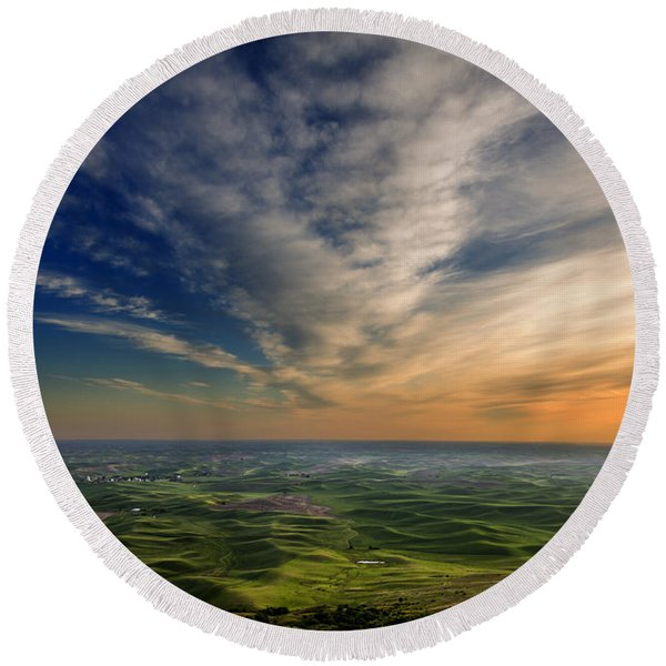 Palouse Sunset Round Beach Towel