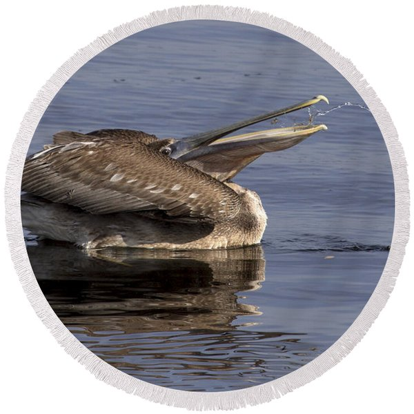 Pelican Fountain  Round Beach Towel