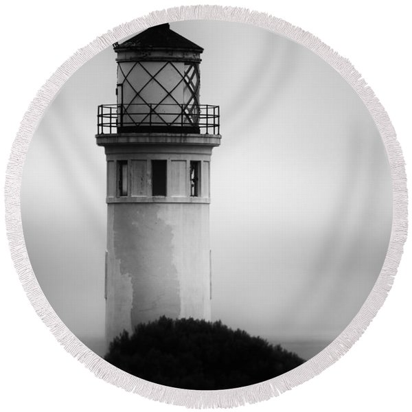 Pointe Vincente Lighthouse Round Beach Towel