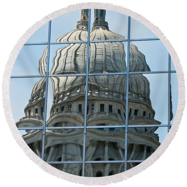 Reflections Of The Capitol Round Beach Towel