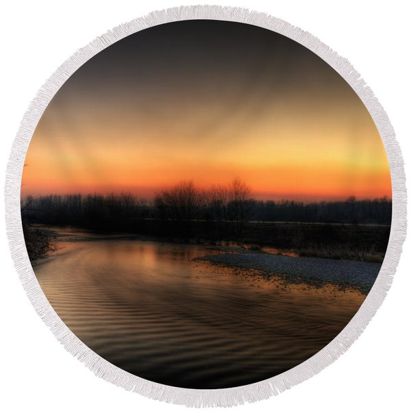 Riverscape At Sunset Round Beach Towel
