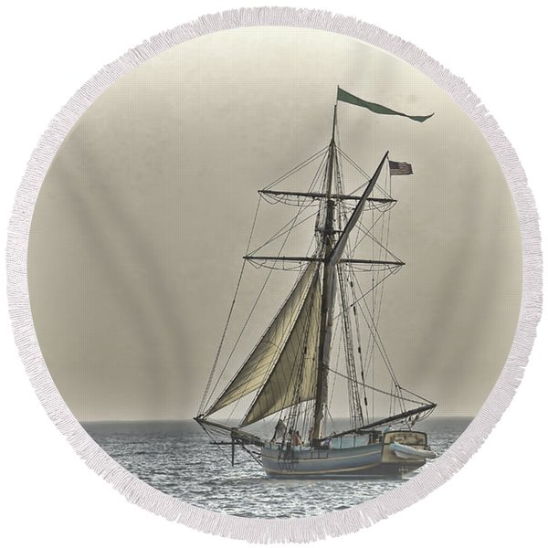 Sailing Off Round Beach Towel