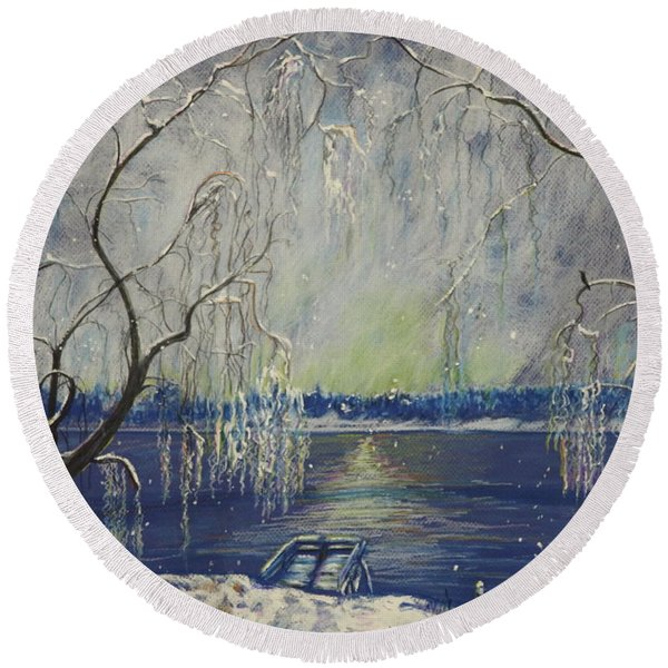 Snowy Day At The Lake Round Beach Towel