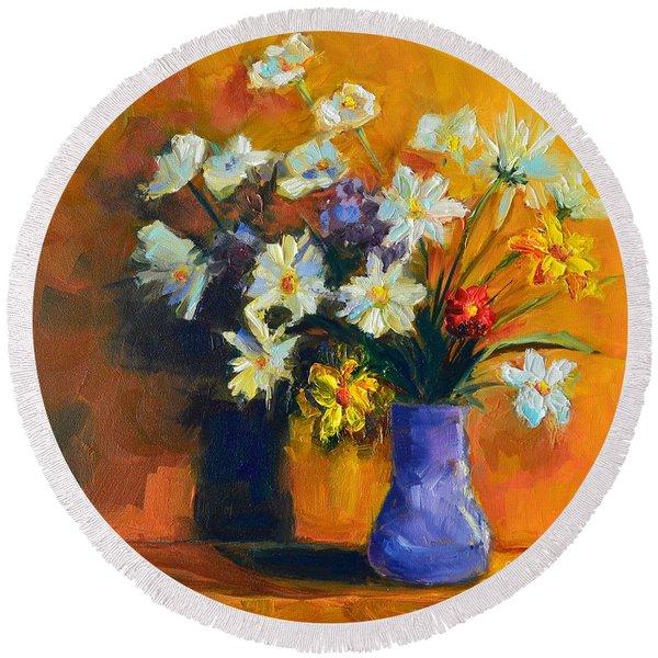 Spring Flowers In A Vase Round Beach Towel