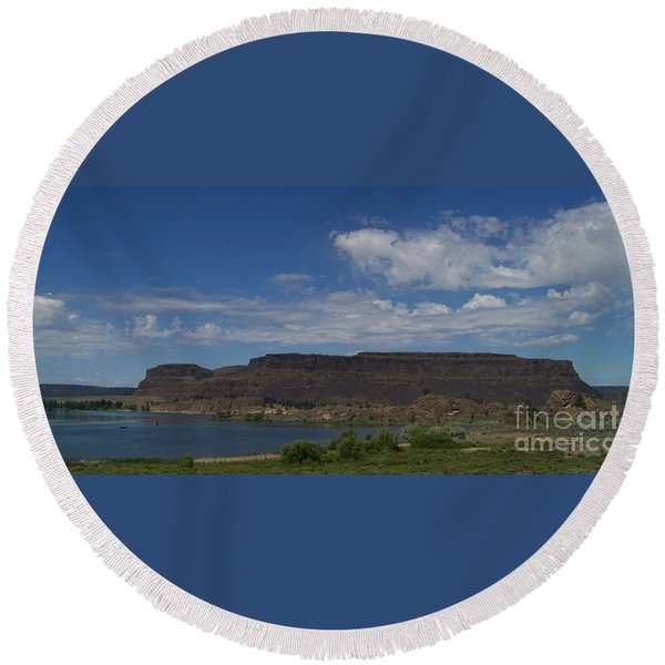 Steamboat Rock Round Beach Towel