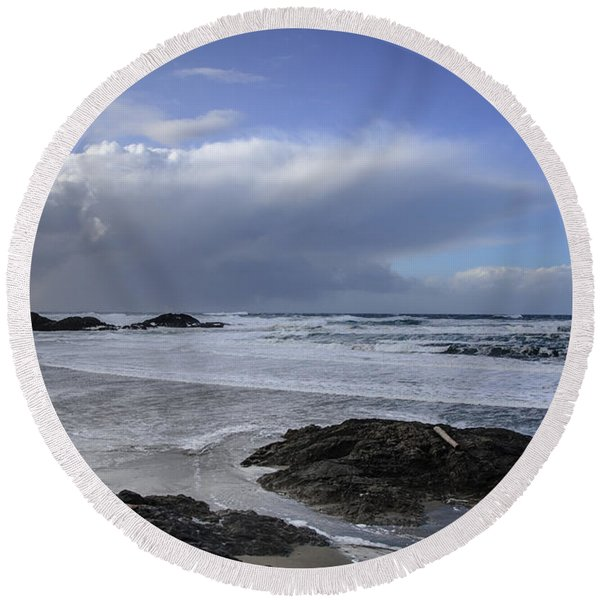 Storm Rolling In Wickaninnish Beach Round Beach Towel