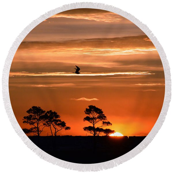 Sunrise Over Fenwick Island Round Beach Towel