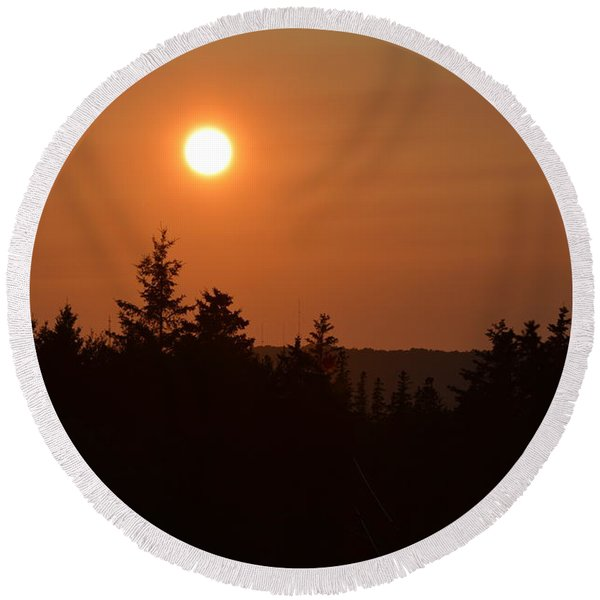 Sunset At Owl's Head Round Beach Towel