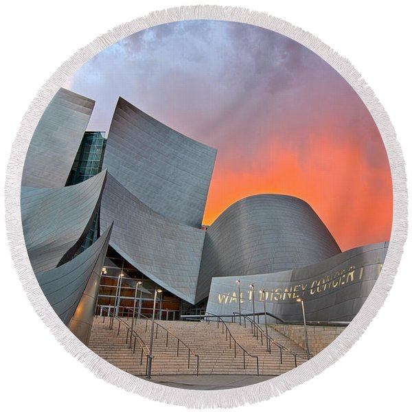 Sunset At The Walt Disney Concert Hall In Downtown Los Angeles. Round Beach Towel