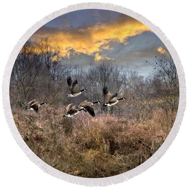 Sunset Geese Round Beach Towel