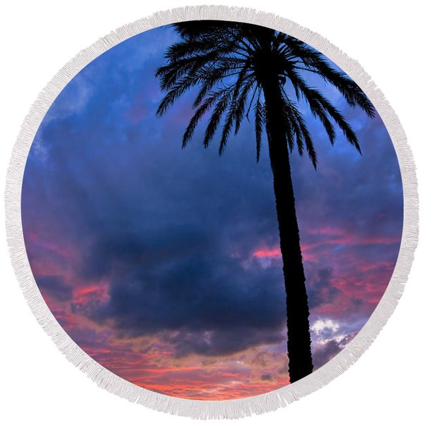 Sunset On Elba Island Round Beach Towel
