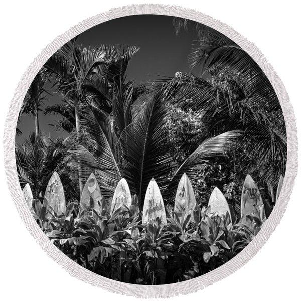 Surf Board Fence Maui Hawaii Black And White Round Beach Towel